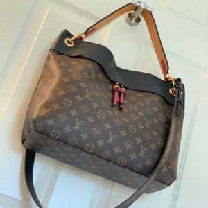 Authentic Louis Vuitton Tuileries Hobo